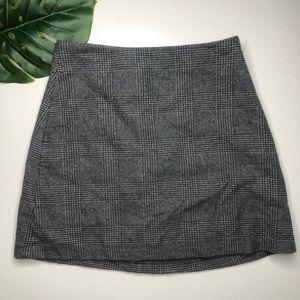 Aritzia Wilfred Grey Plaid Mini Skirt Size 4
